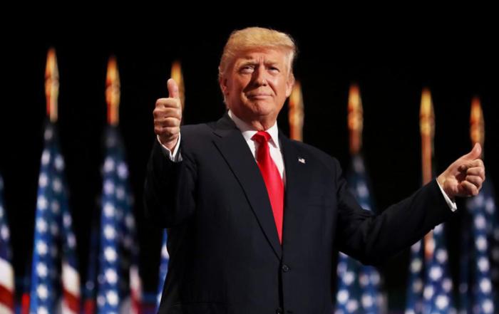 Trump-Donald-pollici_781x498
